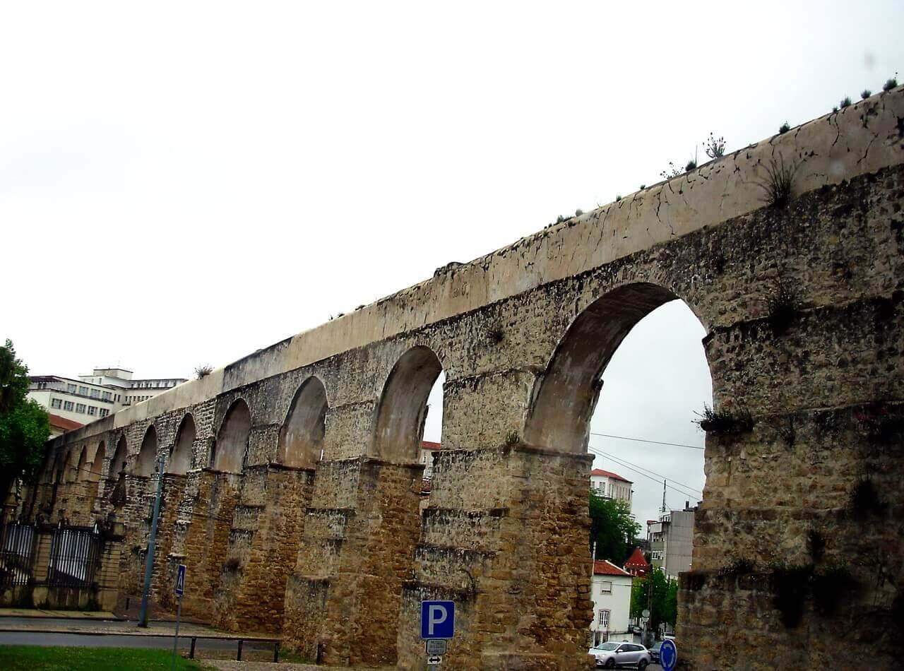 Usseira Aqueduct in Óbidos