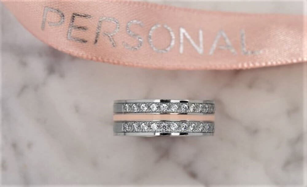 Personal, the wedding ring with powder pink ceramics