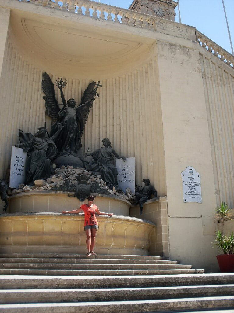 Cospicua, War memorial monument