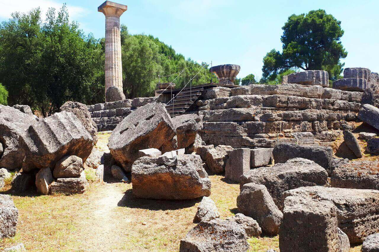 Olympia, One column and ruins of the Temple of Zeus